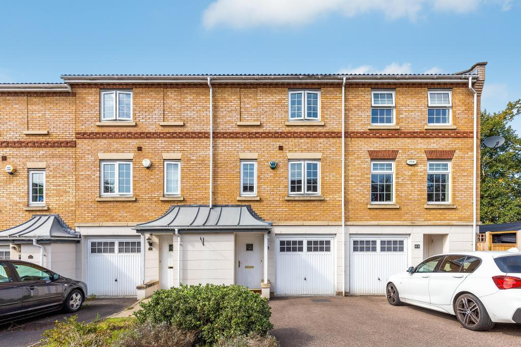 Porthallow Close, Orpington, Kent, BR6 9XU