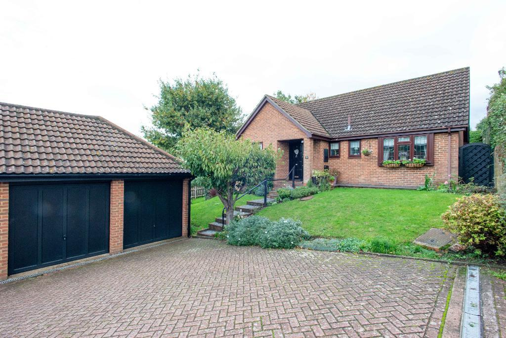 Novar Close, Orpington, Kent, BR6 0XA
